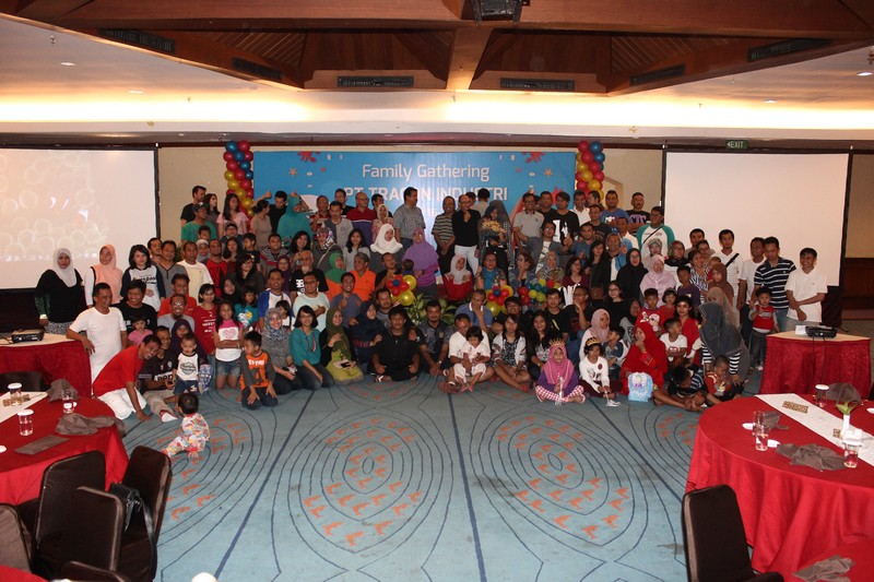 tracon_family gathering_4